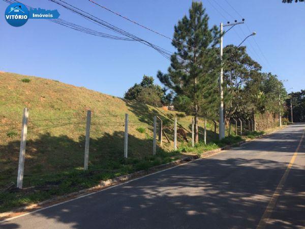 Area mista com 7000m2 - a 300m da Raposo