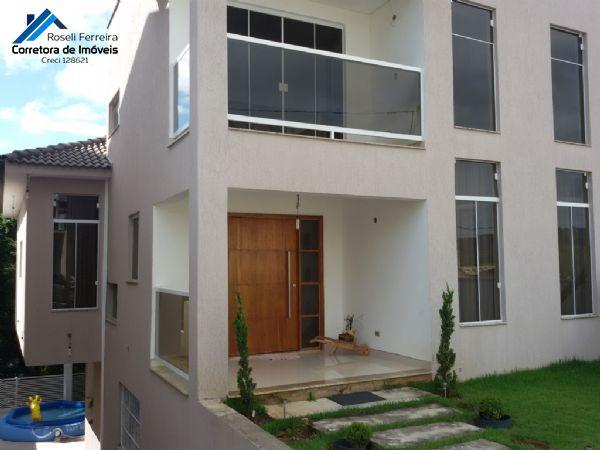 Maravilhosa casa em condomínio