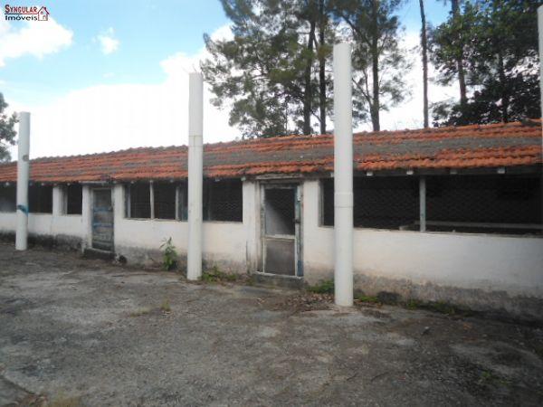 Excelente Área Comercial em São Roque.
