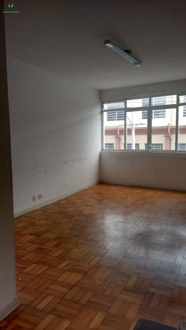 Sala no Centro de São Roque-SP