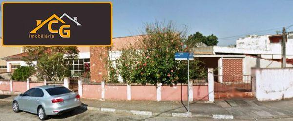 casa coml, c/ terreno de 400m² no centro