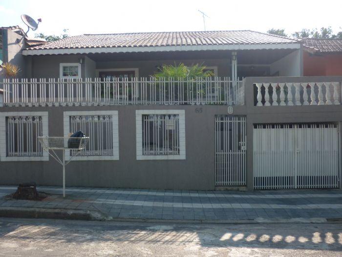 Vende-se Casa c/ 3 quartos em Mairinque