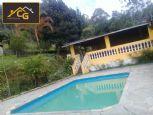 Chácara com lago e piscina em Mairinque