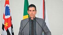 Guto Issa pede construção de habitações populares no município