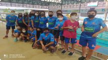 Dezessete nadadores da equipe GUS / Unimed participam de torneio